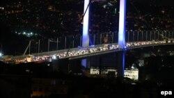 Թուրքիա - Հեղաշրջման փորձ ձեռնարկած զինվորականները փակել են Ստամբուլի Բոսֆորի կամուրջը, 15-ը հուլիսի, 2016թ․