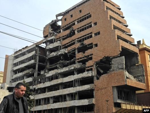Zgrada bivše komande JNA u Beogradu, razorena u NATO intervenciji 199. godine, Beograd, mart 2010