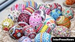 Разноцветные пасхальные яйца - неотъемлемый атрибут празднования Светлого Христова Воскресения