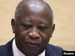 Колишній президент Кот-Д'Івуару Лоран Ґбаґбо постав перед Міжнародним кримінальним судом у Гаазі. 5 грудня 2011 року