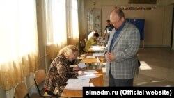 Дільниця для голосування в Сімферополі, 22 травня 2016 року