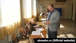 Избирательный участок на праймериз «Единой России» в Симферополе, аннексированный Россией Крым. 22 мая 2016 года.