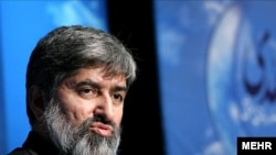 Ali Motahari alleged that in corruption cases involving relatives of top officials, prosecutors are seeking permission from the officials themselves before even investigating.