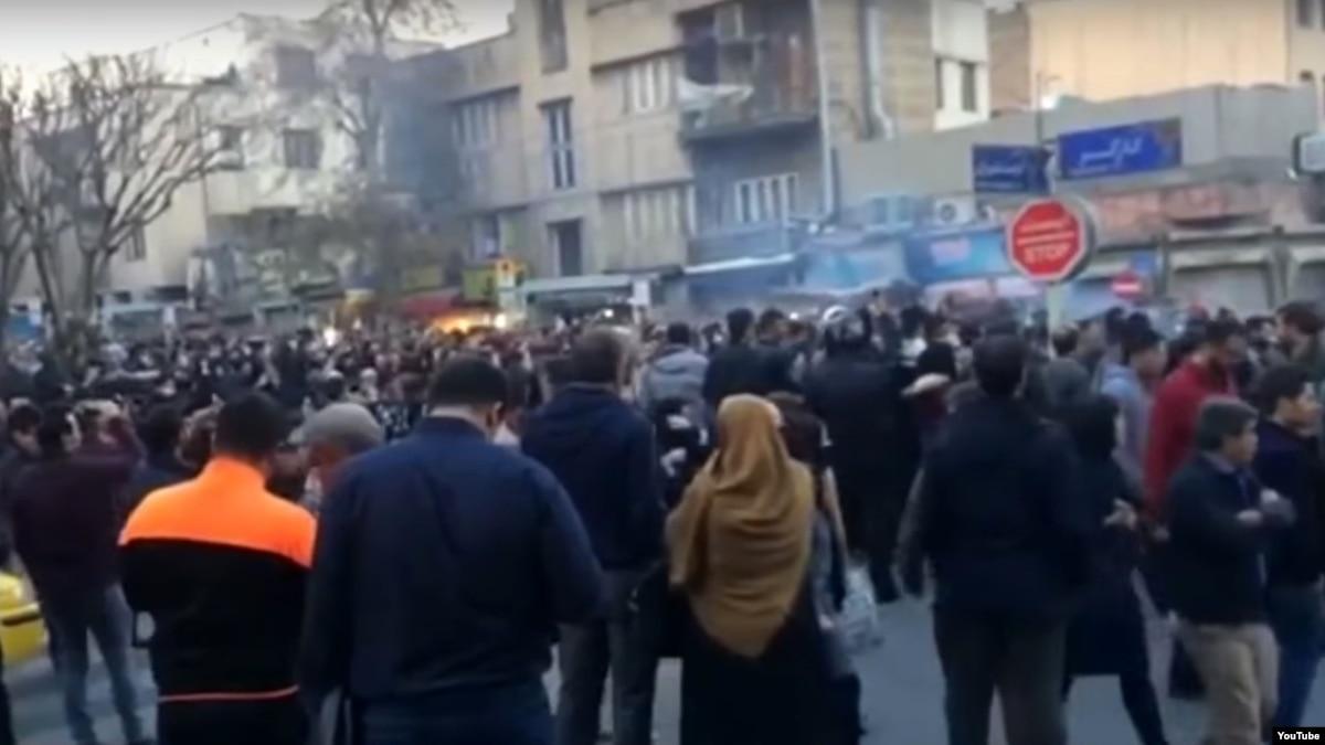اعتراض کانون صنفی معلمان استان تهران به ادامه بازداشت معترضان