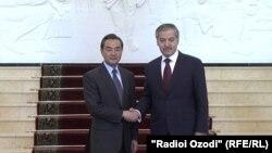 Глава МИД Таджикистана Сироджиддин Аслов проведет официальную встречу с китайским коллегой Ван И