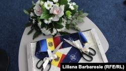 Imagine de la ceremonia inaugurării biroului de legătură NATO de la Chișinău.