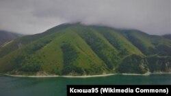 Озеро Кезеной-Ам на границе Чечни и Дагестана