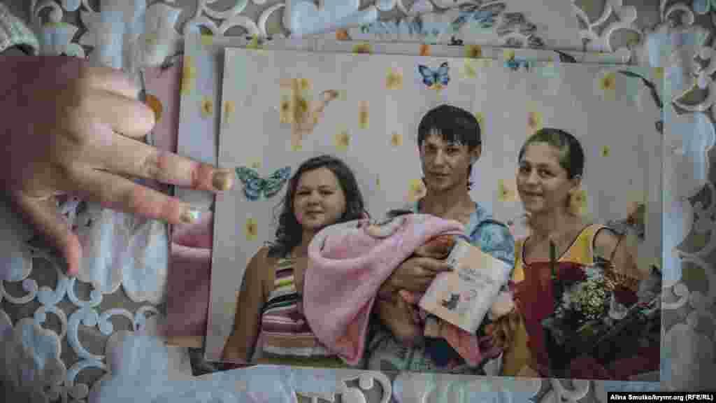Фото Заремы и Арсена из родильном отделения