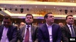 """Кочо Анѓушев, Вес Мичел, Алексис Ципрас, Зоран Заев и Мартин Шулц на Самитот на """"Економист"""""""