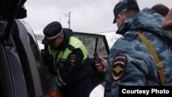 Чаллы-Казан юлында полиция татар активистларын тоткарлый
