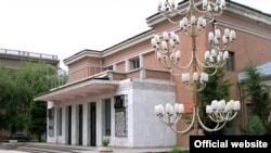 Театр имени Маяковского в Душанбе