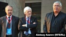 Члены жюри. В центре – председатель жюри Йонас Вайткус (Литва). Алматы, 21 октября 2012 года.