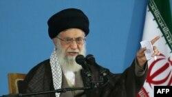 Духовный лидер Ирана аятолла Хаменеи.