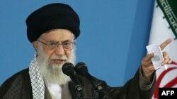 Иран рухани көсемі аятолла Әли Хаменей.