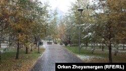 Первый снег в Астане. Иллюстративное фото.
