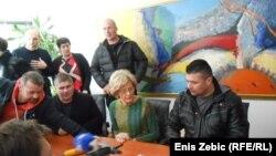 Mirjana Rakić sa predstavnicima prosvjednika, foto: Enis Zebić