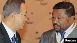 African Union Commission head Jean Ping (right) with UN Secretary-General Ban Ki-moon (file photo)
