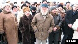 Беларустун Гродно шаарында камактагы поляк активисттерине тилектештик көргөзгөн жыйындар өтүп жатат.