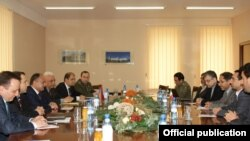 Armenia - Senior Armenian and Iranian defense officials hold talks in Yerevan, 3May2011.