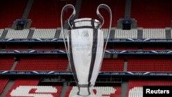 Кубок, который вручается победителю Лиги чемпионов УЕФА.