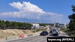 Пробка на Камышовском шоссе растянулась на несколько километров, июль 2019 года
