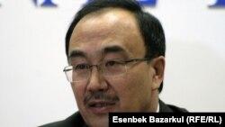 Ерлан Сыдыков, руководитель инициативной группы по продлению полномочий президента Нурсултана Назарбаева. Астана, 12 января 2011 года.