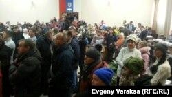 Протестующие торговцы в здании Законодательного собрания Калуги