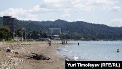 Итоги прошлого туристического сезона были не особенно утешительными. Покинув Абхазию, многие туристы оставляли в интернете не очень лестные отзывы