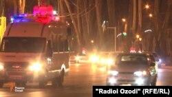 Машины служб безопасности Таджикистана на улицах Душанбе, 27 сентября 2017 года.