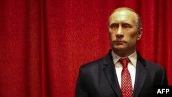 Восковая фигура Владимира Путина в музее сербского города Ягодина
