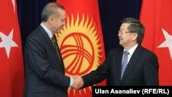 Встреча Жанторо Сатыбалдиева и Режепа Тайипа Эрдогана. 10 апреля 2013 года