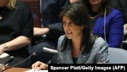 خانم هیلی خواستار واکنش شورای امنیت به حادثه مسمومیت یک جاسوس سابق و دخترش در بریتانیا شده است.
