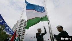 Өзбекстандын желеги