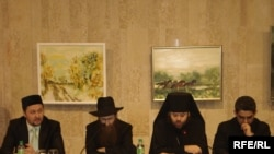 Сулдан уңга: Рамиль Юныс, Исхак Горелик, Питирим атакай