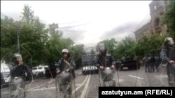 Armenia -- Baghramian avenue in Yerevan blocked by police. 21April, 2018