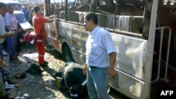 بمب در یک ایستگاه اتوبوس در یک منطقه پررفت و آمد طرابلس منفجر شده است. (عکس از AFP)