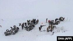 Турецкие спасатели попали в лавину, 5 февраля 2020 года