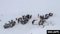 Турецькі рятувальники потрапили в лавину, 5 лютого 2020 року