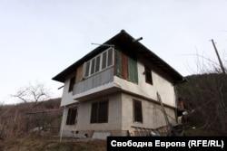 Къщата, в която беше открит трупът на Росен Ангелов
