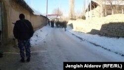 Сох анклавына чектеш Чарбак айылы, Баткен. 7-январь, 2013.