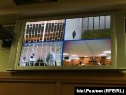 10 ноября Верховный суд Татарстана оставил под арестом трех полицейских, подозреваемых в превышении должностных полномочий. По мнению следствия, они виновны в смерти 22-летнего жителя Нижнекамска Ильназа Пиркина