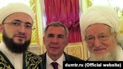 Камил Сәмигуллин (сулда), Рөстәм Миңнеханов (уртада) һәм Тәлгать Таҗетдин
