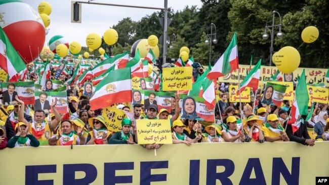 تظاهرات سازمان مجاهدین خلق در برلین