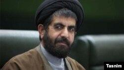 ناصر موسوی لارگانی روز چهارشنبه اظهار کرد که دولت در سال ۱۳۹۵ از محل افزایش قیمت حاملهای انرژی ۸۰ هزار میلیارد تومان درآمد داشته است
