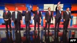 Кандидаты на пост президента США от Республиканской партии на теледебатах. Третий слева Бен Карсон, 28 января 2016
