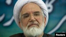 مهدی کروبی،از رهبران مخالفان دولت ایران، بیش از ۶۵۰ روز است که در حبس خانگی به سر میبرد.