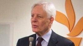 RFE/RL President Kevin Klose