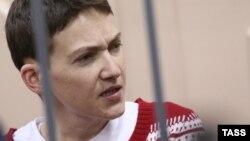 Ресей абақтысында отырған украиналық Надежда Савченко.