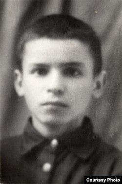 Барыс Сачанка, школьнік
