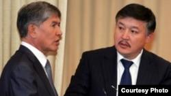 Премьер-министр Алмазбек Атамбаев парламент төрагасы Ахматбек Келдибеков менен.